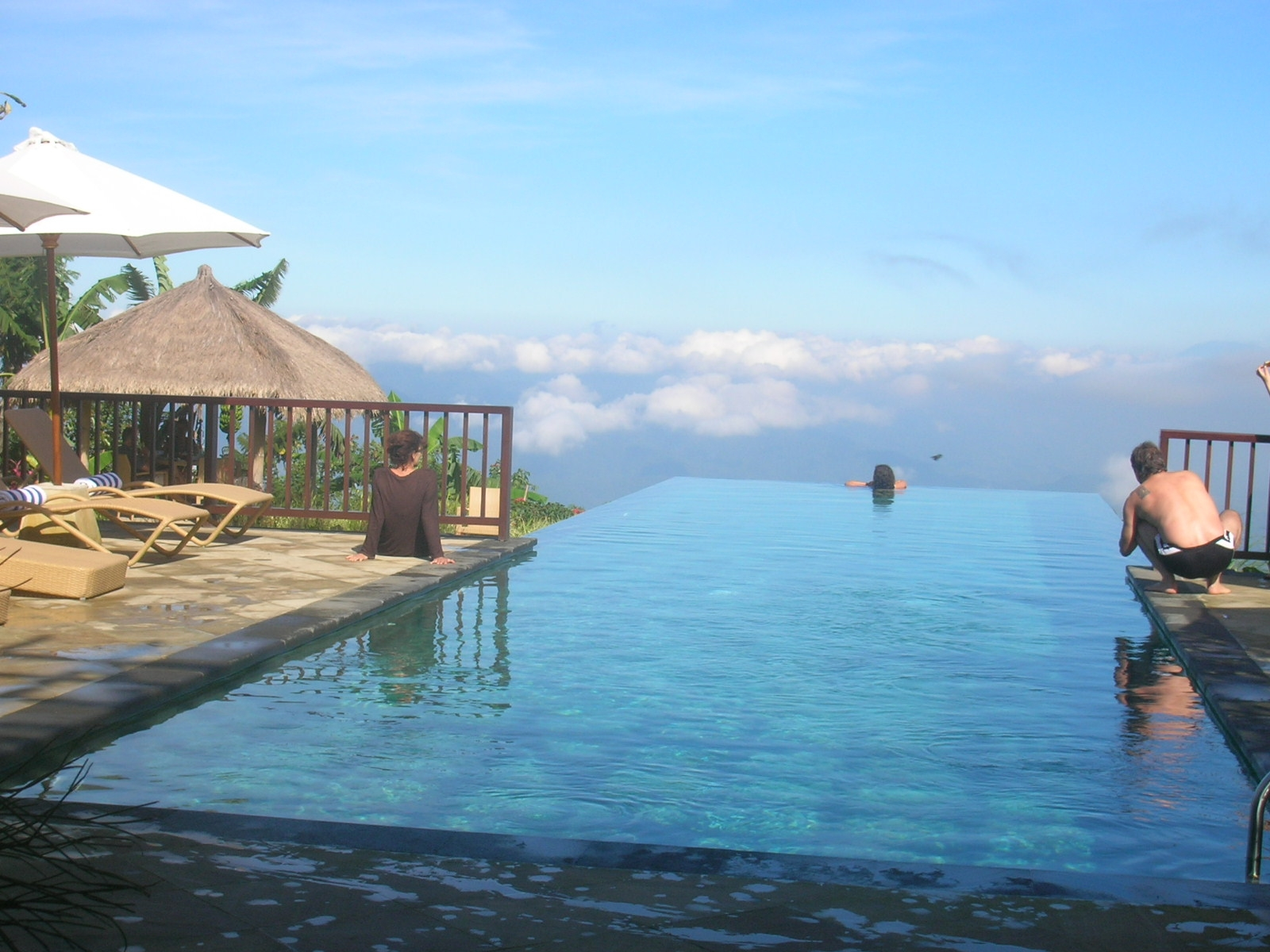 Readers 39 lives responsible tourism in bali ethical - Small infinity pool ...
